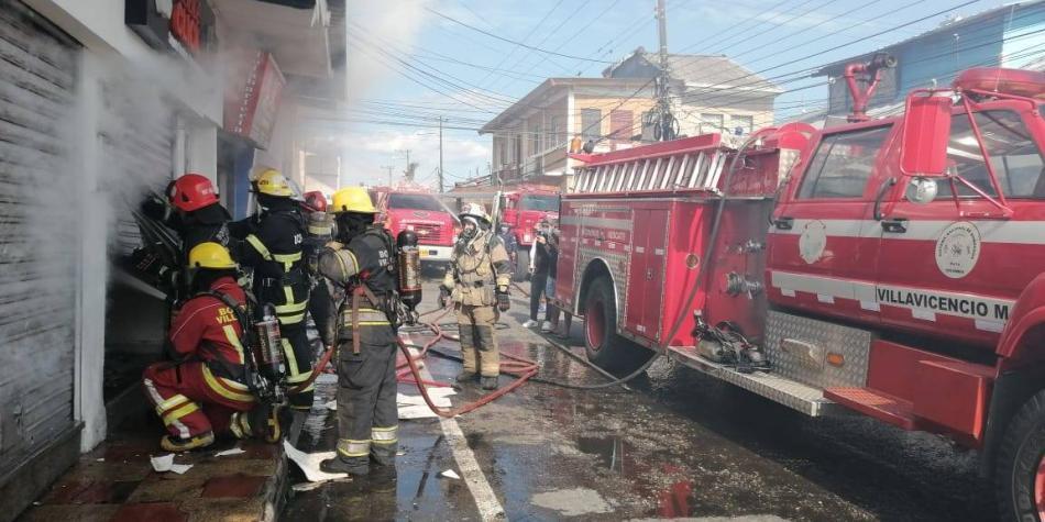 Incendio destruye cuatro locales y una oficina en Villavicencio