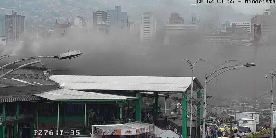 Incendio en la Plaza Minorista de Medellín dejó dos heridos