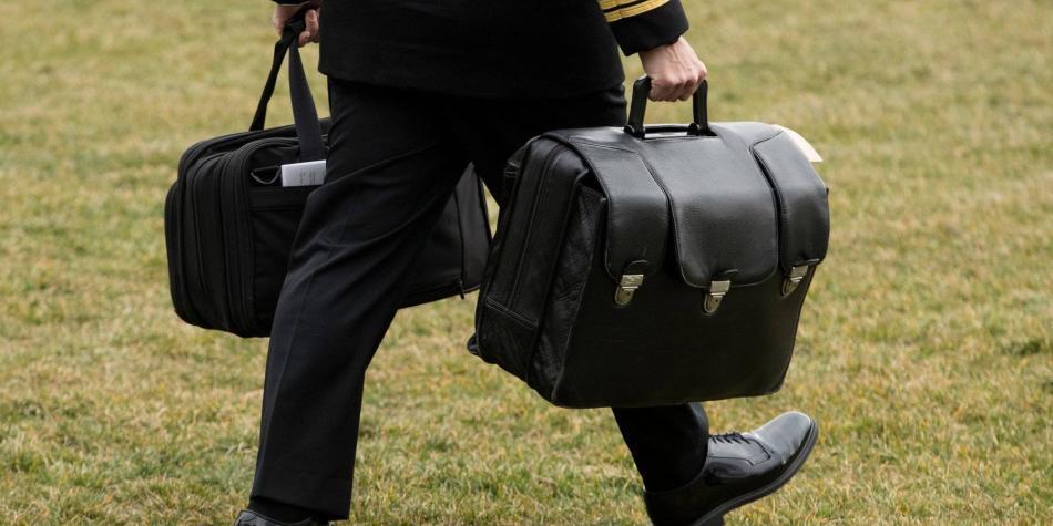 ¿Qué es el 'maletín nuclear' que recibió Biden el día de su posesión?