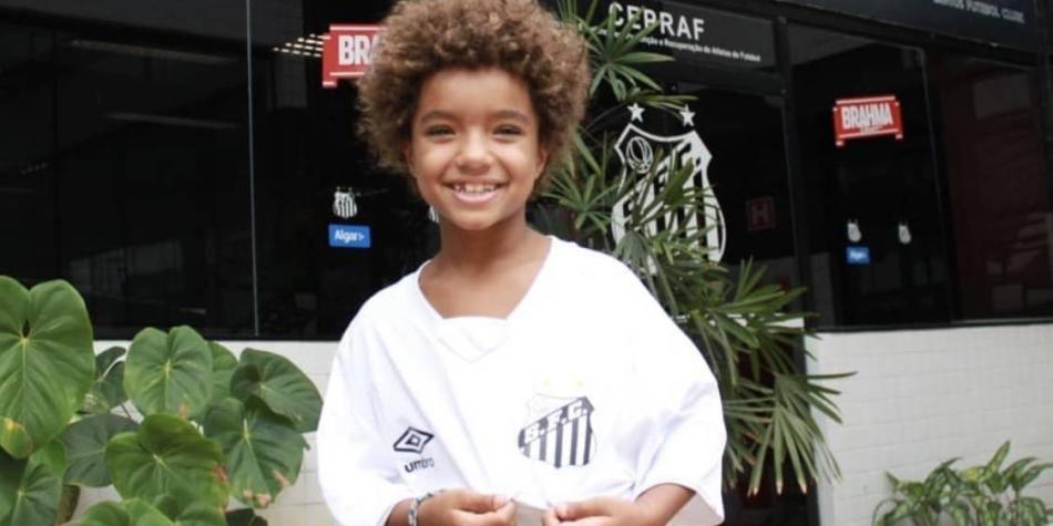 El niño genio del fútbol que a sus 8 años ya firmó contrato con Nike