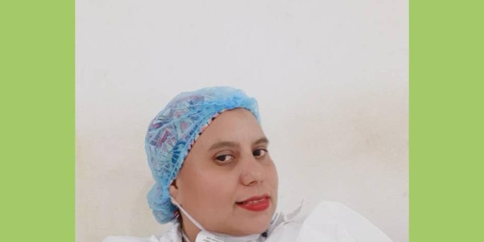 Investigan posible reacción adversa de enfermera vacunada