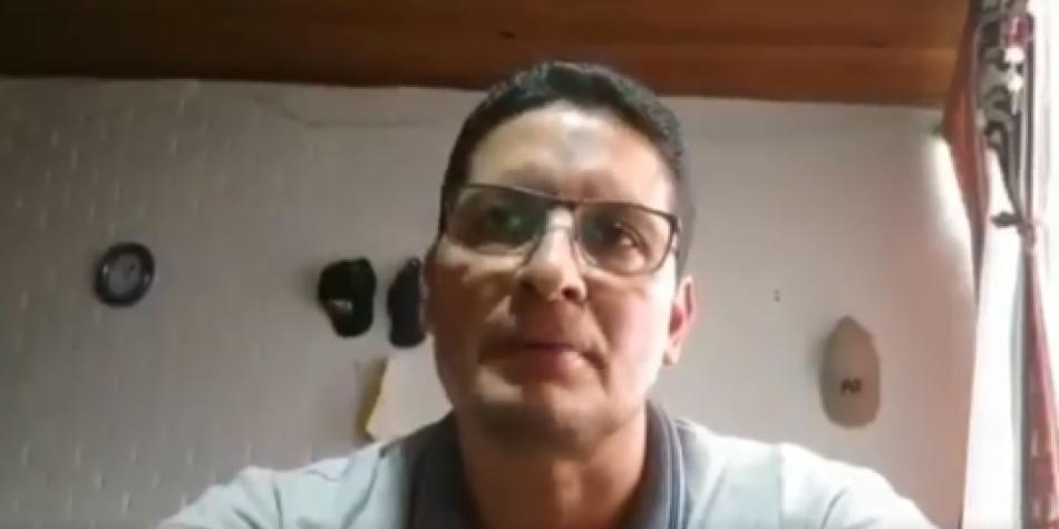 Profesor pide perdón por acto íntimo con su esposa en clase virtual