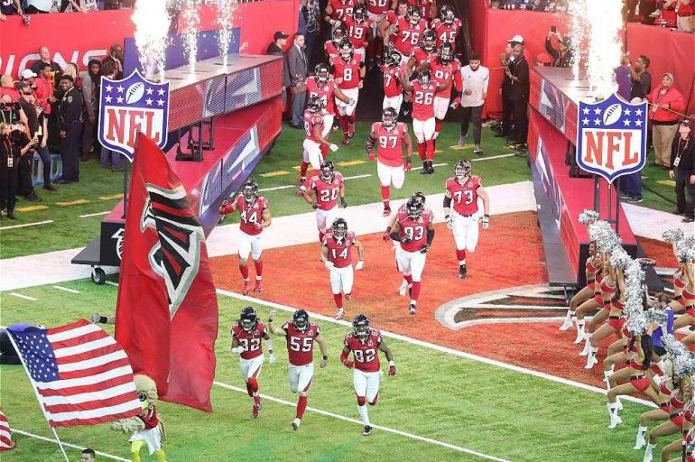 Salida de los Atlanta Falcons en el Super Bowl 51.