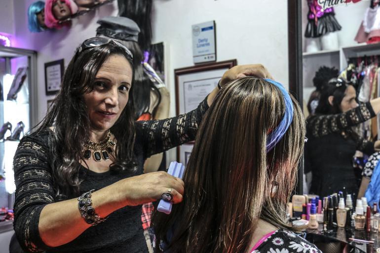 Los travestis que salen del closet por unas horas en Bogotá
