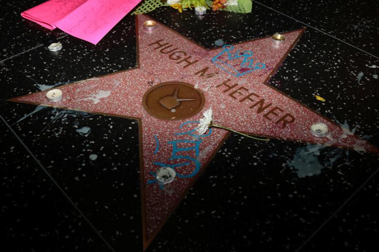 La extravagante vida de Hugh Hefner, en fotos