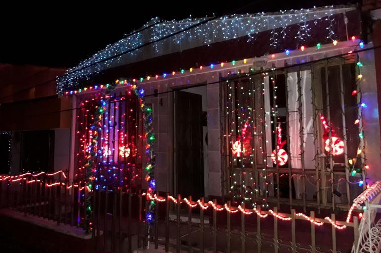 Las casas mejor decoradas para diciembre en colombia - Casas decoradas en navidad ...