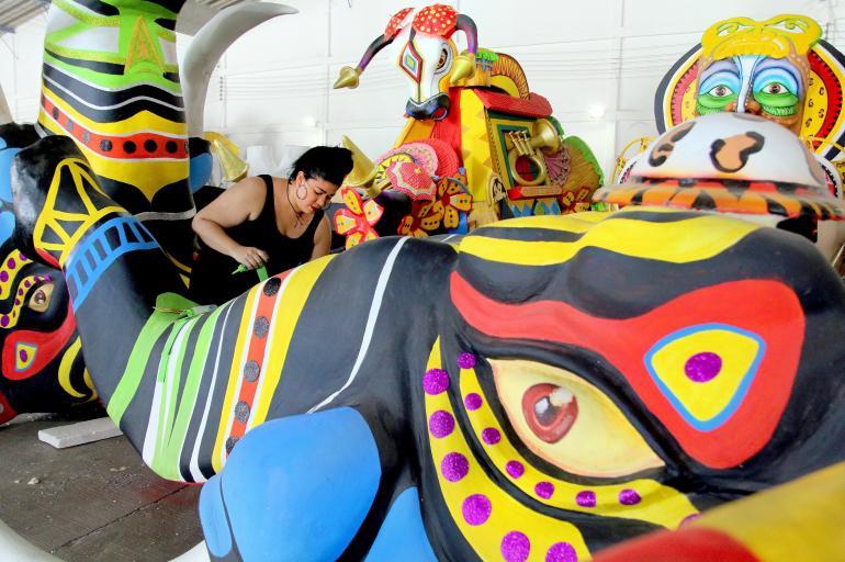 Las Carrozas Del Carnaval De Barranquilla Otras Ciudades