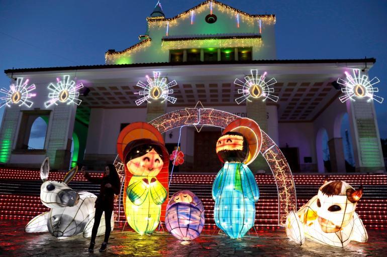Iluminacion De Navidad En Monserrate Y Bogota En 2018 Bogota