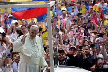 Papa Francisco en su encuentro con los jóvenes en Bogotá