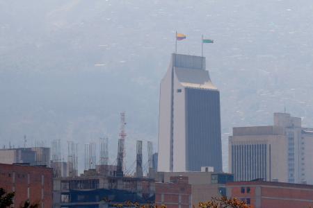 Sigue la alerta naranja por la contaminación del aire en Medellín