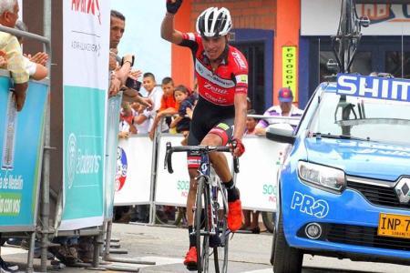 Chaves ganó en Riosucio y Osorio, líder de la Vuelta de la Juventud