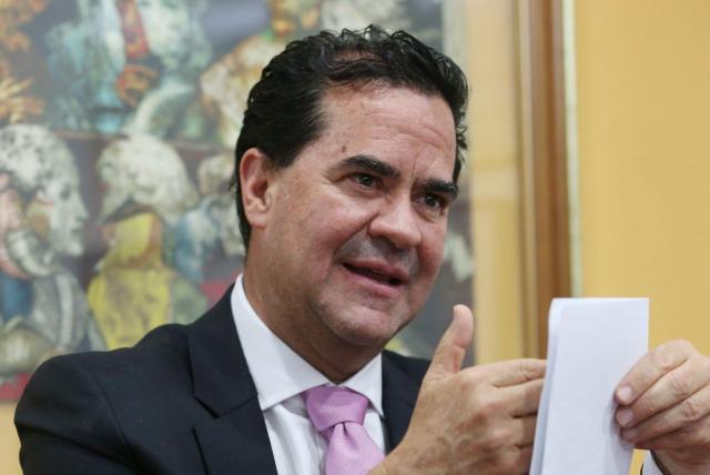 Polémica por reversazo en nombramiento de Frank Pearl en Asocaña ...