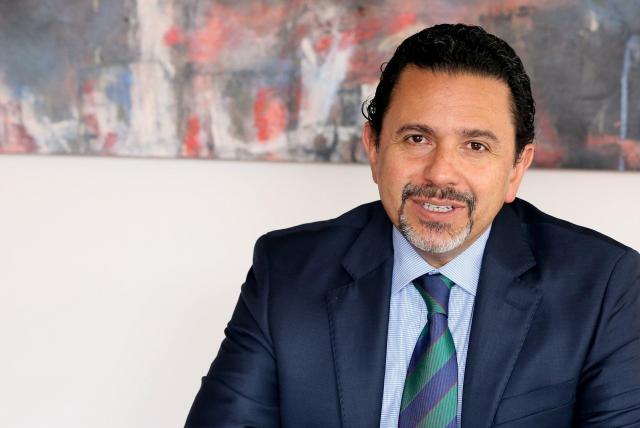 Miguel Ceballo, nuevo comisionado de Paz, en entrevista con María ...