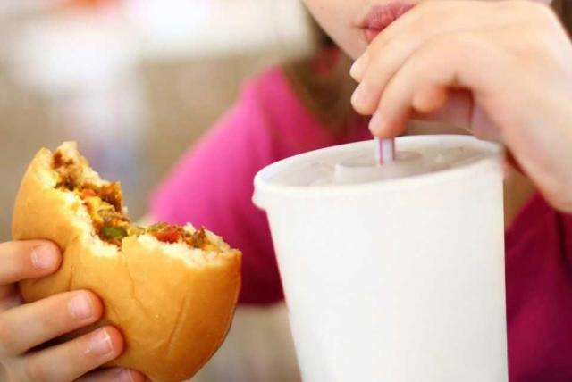 enfermedad relacionada con una dieta pobre y diabetes