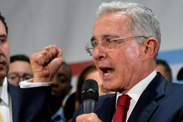 Senador Uribe habla sobre la Jurisdicción Especial para la Paz ...