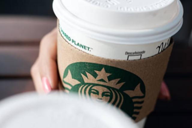 Racismo en Starbucks de Estados Unidos: empleado escribe Isis en café de  musulmana - EEUU - Internacional - ELTIEMPO.COM