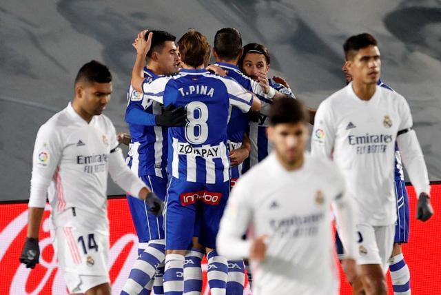 Real Madrid pierda de local contra Alavés 1-2 en la Liga de España - Fútbol  Internacional - Deportes - ELTIEMPO.COM