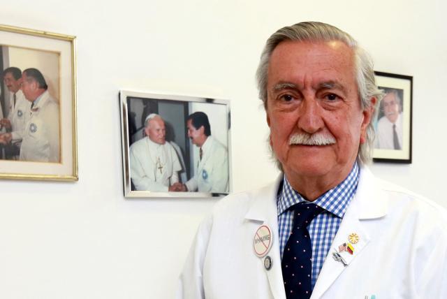 Francisco Holguín, médico del Papa