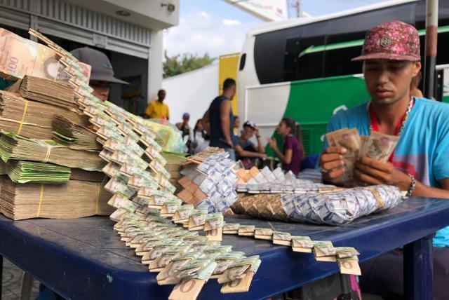 Las Artesanías Que Se Crean Con Los Billetes Venezolanos Otras