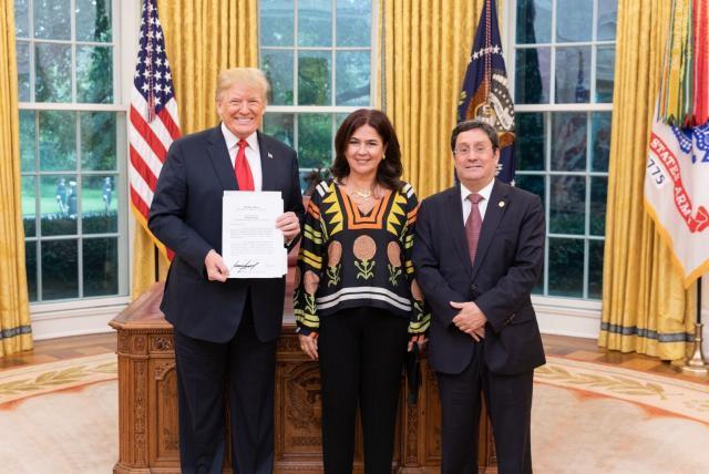 Gobierno le pide a Francisco Santos que se quede en la embajada en  Washington - EEUU - Internacional - ELTIEMPO.COM