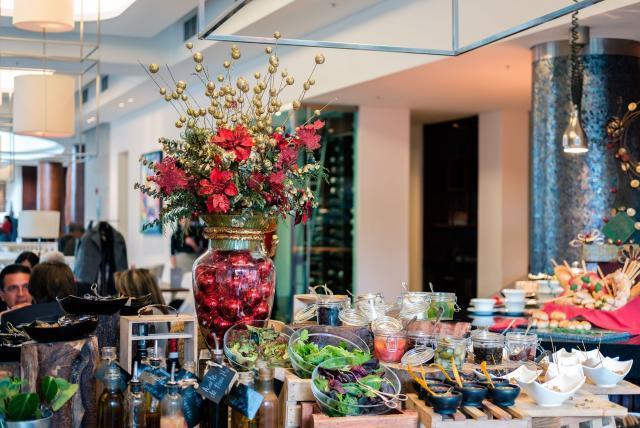 Cenas Y Celebraciones De Fin De Año Y Navidad En Hoteles De