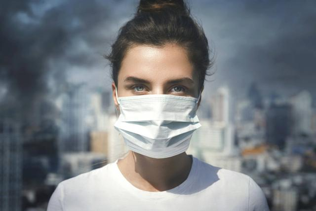 contraer enfermedades traduccion