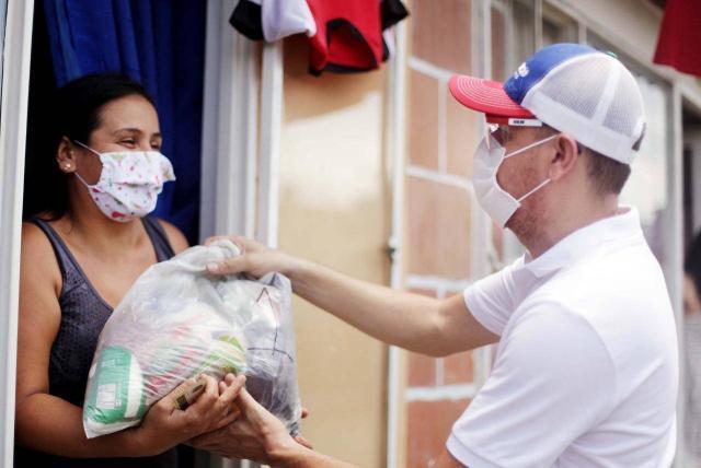 Donatón en Meta: entrega de mercados y ayudas a familias durante ...
