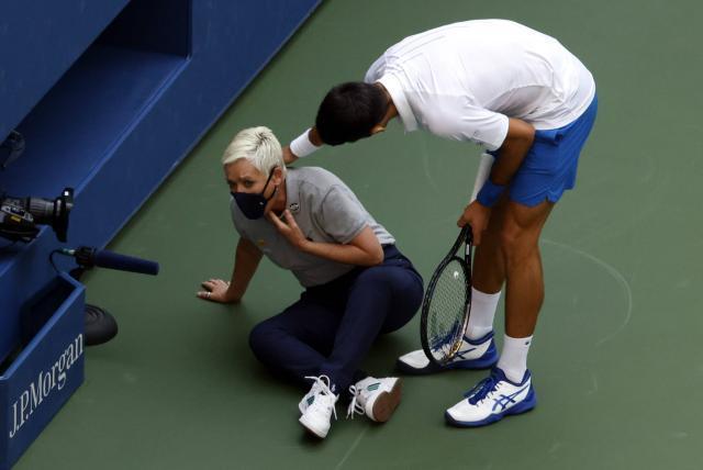 Novak Djokovic Es Descalificado Del Us Open Por Pelotear A Una Juez Tenis Deportes Eltiempo Com