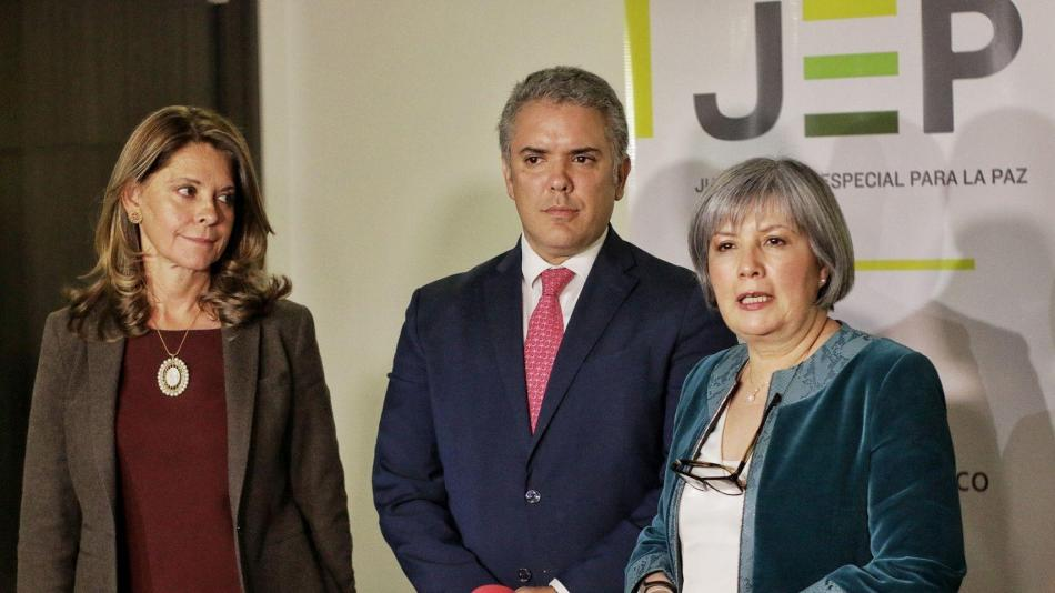 Iván Duque en reunión con Patricia Linares.