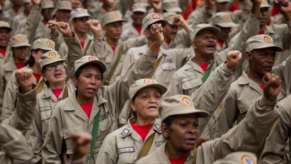 Tras posesión, Maduro ordena ejercicios conjuntos de tropas y milicias