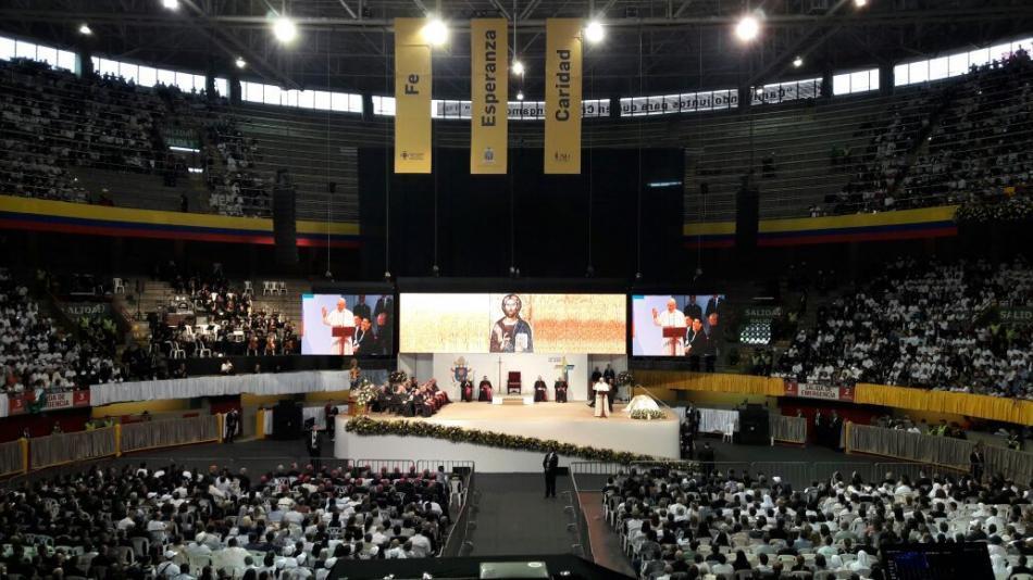 Reunión del Papa con religiosos en Medellín