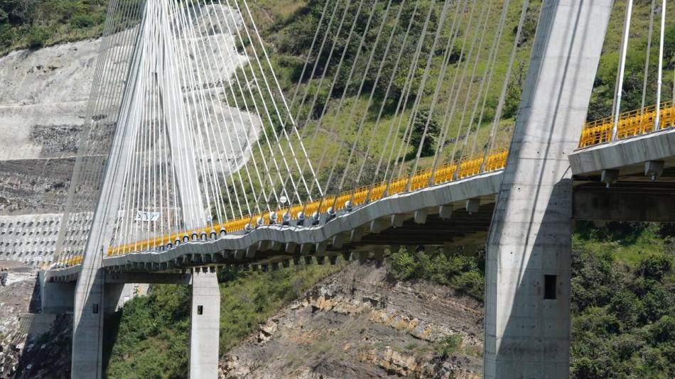 Desde varios ángulos: así se ve el criticado puente Hisgaura