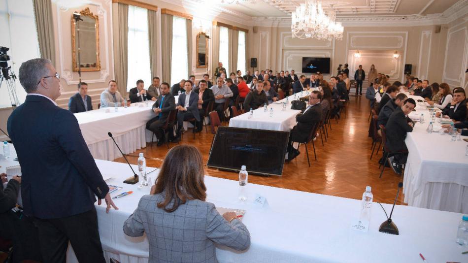 duque se reúne con alcaldes y gobernadores para hablar sobre el ...