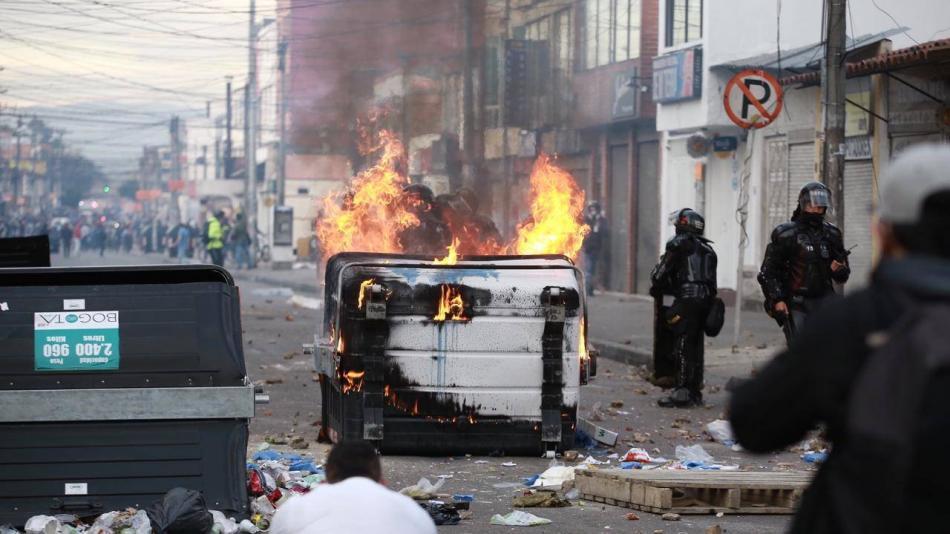 Violencia policial en Bogotá: abogado muerto y disturbios - Bogotá -  ELTIEMPO.COM