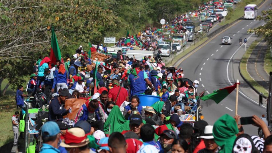 Minga indígena pasó en calma por Ibagué y salió hacia Fusagasugá