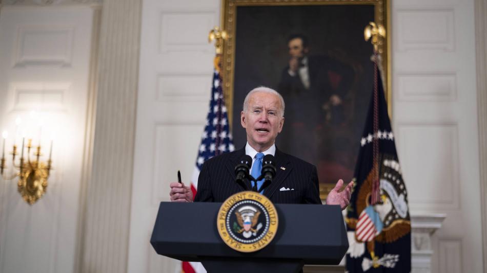'Todos hemos perdido algo': Biden sobre primer año de la pandemia