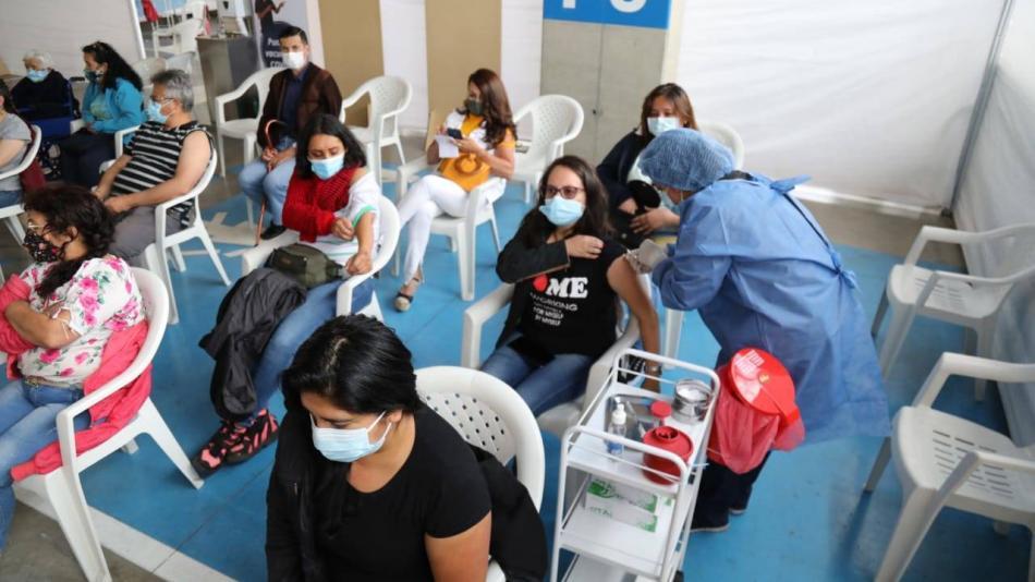Vacunación en Bogotá: dosis disponibles y demoras para la aplicación - Bogotá - ELTIEMPO.COM