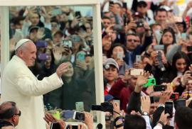 El Papa llama a ser  constructores de paz  en histórica misa. Bogotá 9727cf65759