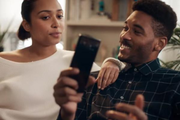 Comercial de Motorola contra Samsung