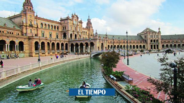 Piden retirar estatua de Bolívar en Sevilla; lo tildan de 'asesino'