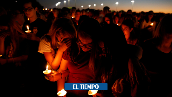 Dolor en la vigilia por víctimas de la masacre en escuela de EE. UU.