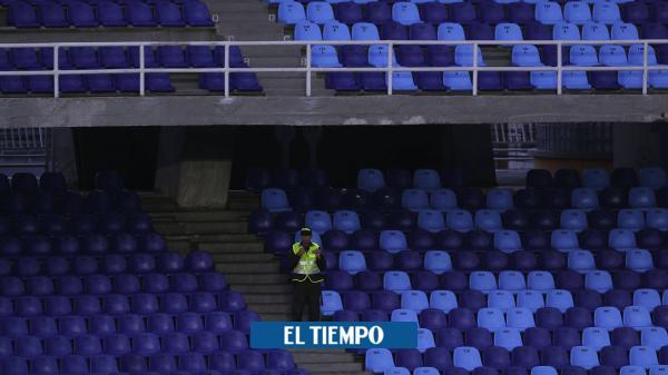'Fuego amigo' entre Uribe y Mindeportes por vuelta del fútbol