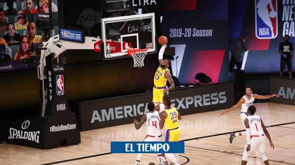 Los Lakers vencen a Clippers en el reinicio de la NBA