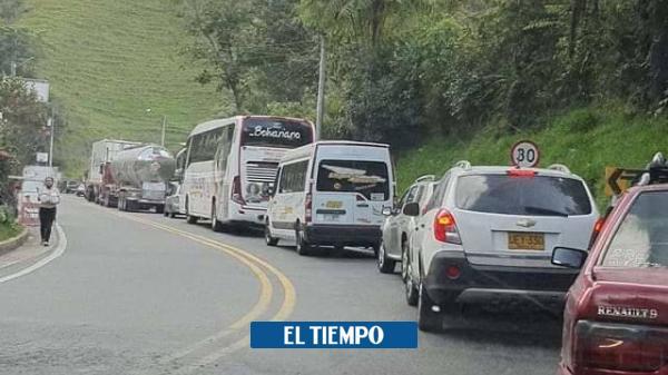 Los impresionantes trancones que se registran en vía Bogotá ...