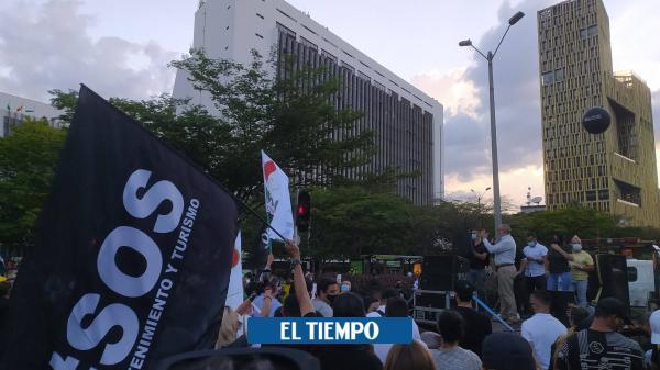 Críticas a Daniel Quintero por toque de queda continuo en Medellín