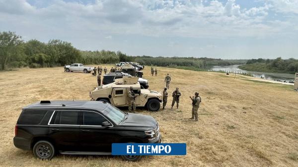 Texas intenta frenar ingreso de migrantes con una 'barricada' de vehículos