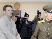 Liberan a estudiante estadounidense detenido en Corea del Norte