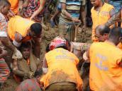 Aumentan a 134 los muertos por deslizamientos en Bangladesh