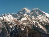 Nepal medirá el Everest para analizar si se encogió durante terremoto