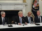 Trump critica tecnología del gobierno en reunión con Silicon Valley